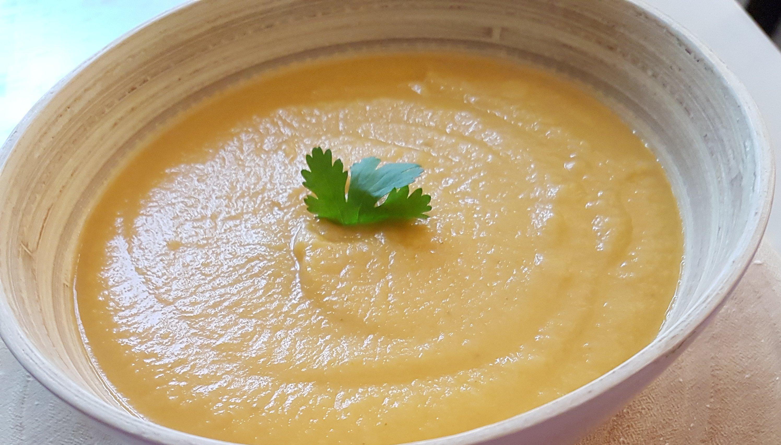 Comment Eplucher Un Patisson soupe famille : velouté de pâtisson au chèvre frais (recette